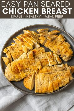 Use this Easy Pan Seared Chicken Breast recipe to cook prepare juicy and flavorful chicken in less than 15 minutes. Use this simple seasoned chicken in salads, sandwiches and wraps! Easy Chicken Dinner Recipes, Healthy Chicken Dinner, Paleo Recipes Easy, Healthy Meal Prep, Clean Eating Recipes, Easy Low Carb Lunches, Pan Seared Chicken, Breast Recipe, Salads