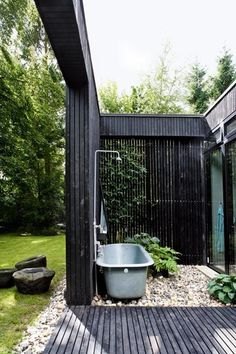 Photo: Bo Bedre / Andreas Mikkel Hansen Architect Rasmus Bak designed this summer house for his own family. Wouldn´t mind the ou...