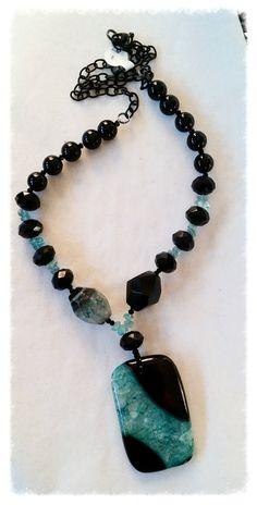 Green Crackle Agate Pendant by GemsbyJoniH on Etsy - Jewelry Boho Jewelry, Jewelry Crafts, Gemstone Jewelry, Beaded Jewelry, Jewelery, Handmade Jewelry, Jewelry Necklaces, Jewelry Design, Bracelets