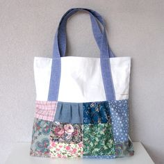 Patchwork Shopper Blauw - By MiekK Patterns In Nature, Cotton Bag, Knitted Bags, Fabric Scraps, Refashion, Diaper Bag, Sewing Patterns, Pouch, Knitting