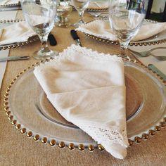 Loving the napkins even! #vintagewedding #wedding #weddingday #weddingidea #weddingphotographer
