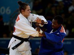 A francesa Audrey Tcheumeo e a húngara Abigel Joo se enfrentaram nesta quinta-feira por uma medalha de bronze na categoria de 78 kg do judô feminino  Foto: Bruno Santos/Terra