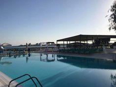 Urmează un eveniment important în viața ta ? Lasă-ne să te ajutăm să-ți îndeplinești visul !   Restaurantul TurQuoiSE  iți oferă o locație deosebită cu deschidere la malul mării unde te poți bucura de până la 450 de invitați pentru orice tip de eveniment privat (nuntă, cununie civilă în aer liber pe terasă cu piscină sau pe plajă, botez, logodnă, aniversare, majorat) sau corporate (seminarii, conferințe, ședințe, aniversări, petrecere crăciun, workshop-uri, team building-uri, evenimente… Venus, Marie, River, Outdoor, Littoral Zone, Outdoors, Outdoor Games, The Great Outdoors, Rivers