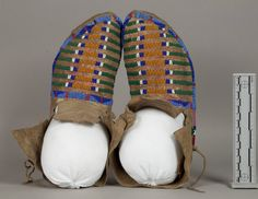 Collections Search Center, Smithsonian Institution. Piegan 1931. Native American Clothing, Native American Beadwork, Blackfoot Indian, Beaded Moccasins, Crow Art, American Indian Art, First Nations, Native Americans, Traditional Art