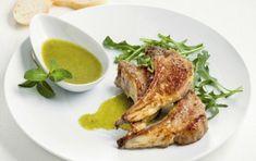 Χοιρινές μπριζόλες με σκορδάτη σάλτσα Steak, French Toast, Recipies, Pork, Food And Drink, Chicken, Breakfast, Recipes, Kale Stir Fry