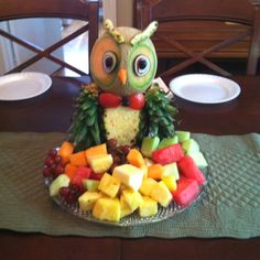 new Ideas fruit plate baby shower parties food Fruit And Vegetable Carving, Veggie Tray, Veggie Food, Fruit Plate, Fruit Art, Fruit Trays, Owl Food, Owl Wedding, Wedding Ideas