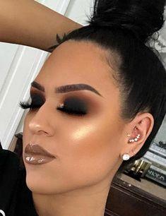 Smokey eye and updo - LadyStyle Glam Makeup, Makeup Geek, Makeup Inspo, Makeup Inspiration, Makeup Tips, Beauty Makeup, Hair Makeup, Black Smokey Eye Makeup, Makeup Trends