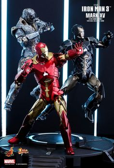Hot Toys : Iron Man 3 - Sneaky Mark XV (Retro Armor Version) 1/6th scale Collectible Figure