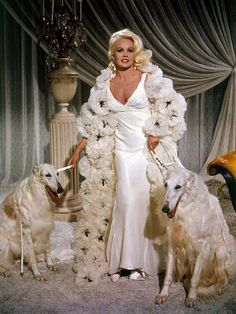 Silky white gown and Whatever the robe is i want one. Vintage Glamour, Glamour Hollywoodien, Old Hollywood Glamour, Vintage Hollywood, Hollywood Fashion, Vintage Beauty, Carroll Baker, Pinturas Disney, Maxi Robes