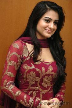 Best 12 Aksha Pardasany telugu hot actress and beautiful look Salwar Designs, Kurta Designs Women, Kurti Designs Party Wear, Kurti Neck Designs, Dress Neck Designs, Blouse Designs, Pakistani Dress Design, Pakistani Dresses, Designer Anarkali Dresses