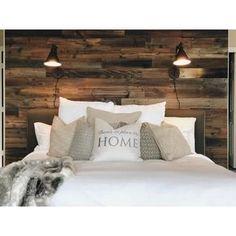 Master Bedroom Wood Wall, Plank Wall Bedroom, Pallet Wall Bedroom, Accent Wall Bedroom, Bedroom Decor, Plank Walls, Pallet Beds, Bedroom Ideas, Wall Behind Bed
