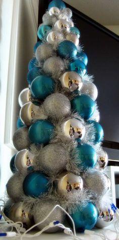 Künstlicher Weihnachtsbaum in Silber und Blau selber basteln
