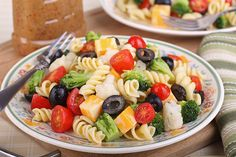 The easiest homemade pasta salad recipe! This recipe is a basic pasta salad recipe. Surely you can add some diced ham, mushrooms, mozzarella cheese, parmesan, and salami to make it extra special. Save this pin for later! Easy Pasta Salad Recipe, Easy Salad Recipes, Vegetarian Recipes Easy, Cooking Recipes, Healthy Recipes, Kid Cooking, Healthy Lunches, Vegetarian Food, Eating Healthy