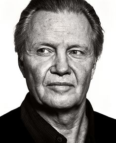 Jon Voight - Photo by © Andy Gotts Hollywood Icons, Hollywood Actor, Hollywood Stars, Actors Male, Actors & Actresses, Celebrity Portraits, Celebrity Pictures, Andy Gotts, Divas