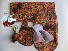 Kit para seu carro ficar fofo!  - Lixeira - Tapete - 2 sachês (essência Trousseau) - Porta celular de carro - Chaveiro www.mimusideias.com.br