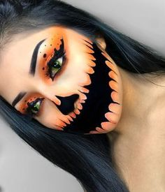 Looking for for ideas for your Halloween make-up? Browse around this website for creepy Halloween makeup looks. Disfarces Halloween, Creepy Halloween Makeup, Halloween Pumpkin Makeup, Facepaint Halloween, Bricolage Halloween, Simple Halloween Makeup, Beautiful Halloween Makeup, Zombie Makeup, Holiday Makeup