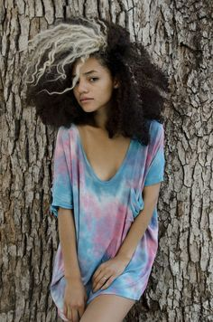 two toned afro hair and tiedye oversized t-shirt. hair love.