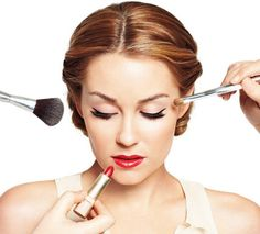 How to Apply Makeup? How to Apply Makeup? Steps for perfect makeup. Correct and easy makeup tips for women. Basic makeup tips. How to apply makeup in five min? Health Guru, Mental Health, Health Trends, Womens Health Magazine, Hair And Makeup Tips, Makeup Lessons, Braut Make-up, Beauty Book, Pregnancy Health