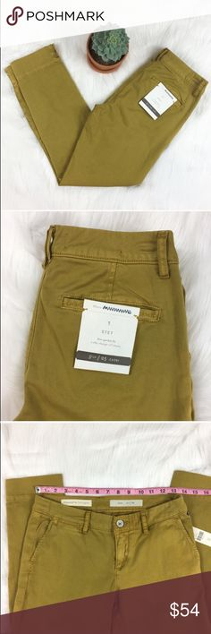 Anthro Pilcro & the Letterpress NWT Stet Capris Anthropologie Pilcro & the Letterpress NWT Stet mustard color capris. Size 25 with 7' rise and 26' inseam. Has two tiny little pen like marks on one leg. Perfect fall color! ❌No trades ❌ Modeling ❌No PayPal or off Posh transactions ❤️ I 💕Bundles ❤️Reasonable Offers PLEASE ❤️ Anthropologie Pants Capris