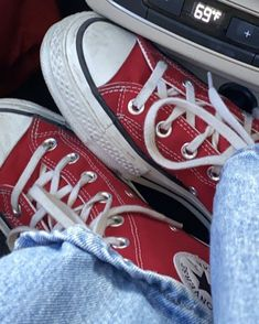 Dr Shoes, Swag Shoes, Hype Shoes, Me Too Shoes, Mode Converse, Looks Pinterest, Aesthetic Shoes, Fresh Shoes, Pretty Shoes