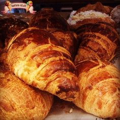 Buondì,cornetti,brioches e croissant caldi appena sfornati!!