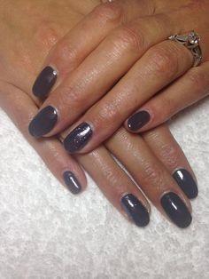 Nails by Rachel @NailsbyRachelx has created this look using Brisa Gel enhancements with #CND #Shellac™ Asphalt & #lecente #glitter