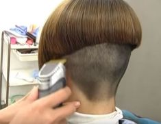 You are in the right place about nape undercu Night Hairstyles, Wedge Hairstyles, Bob Hairstyles, Shaved Bob, Shaved Nape, Nape Undercut, Undercut Long Hair, Bowl Haircuts, Short Bob Haircuts