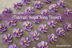 {Tutorial} Royal Icing Flowers