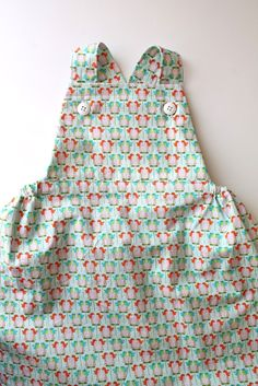 The Sydney Pinafore: Free Pattern