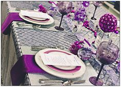 Purple Christmas Party Table Setting #purple #christmas