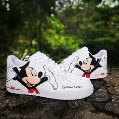 Nike Shoes OFF!> Behind The Scenes By tnd_sneakers Disney Painted Shoes, Disney Shoes, Disney Vans, Zapatillas Nike Air Force, Swag Shoes, Cute Sneakers, Sneakers Nike, Nike Shoes Air Force, White Nike Shoes