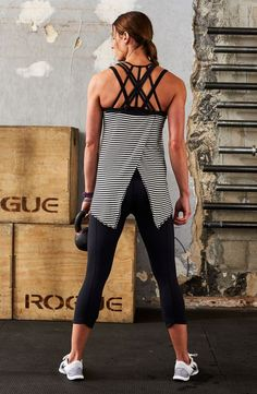 Stand out in the gym with strappy back tanks and sports bras. Yoga Pants Outfit, Calia By Carrie, Fitness Fashion, Gym Fashion, Fashion Trends, Gym Style, Women's Sports Bras, Gym Wear, Active Wear For Women