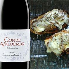 Tosta de cebolla caramelizada con provolone y Conde de Valdemar Garnacha