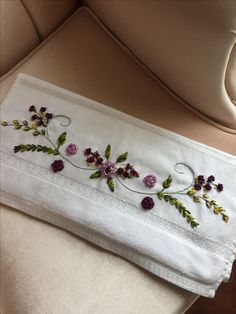 185 Likes, 6 Comments - Elisi_ Embroidery Floss Crafts, Hand Embroidery Flowers, Hand Work Embroidery, Silk Ribbon Embroidery, Embroidery Fashion, Hand Embroidery Patterns, Floral Embroidery, Embroidery Stitches, Machine Embroidery