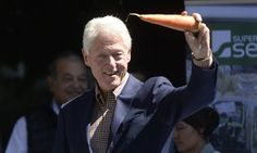 Bill Clinton Says Going Vegan May Have Saved His Life.: Bill Clinton Says Going Vegan May Have Saved His… How To Cook Kale, Chelsea Clinton, How To Become Vegan, Weight Watchers Points, Vegan Cafe, Plant Based Nutrition, Vegan Kitchen, Vegan Lifestyle, Going Vegan