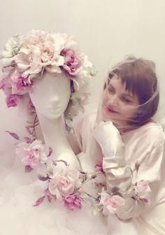 автопортрет. цветы из шелка. Лилия Марченко
