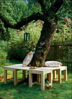 15 Awesome Creative DIY Benches for Outdoors Ideas #backyardbenchcreative #backyardbenchdiy