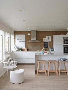 Having limited space in an apartment doesn't mean you don't deserve a nice kitchen. See what a small kitchen design is all about. New Kitchen, Kitchen Dining, Kitchen Decor, Kitchen Ideas, Dining Room, Kitchen Styling, Outdoor Kitchen Design, Interior Design Kitchen, Small Space Kitchen