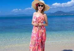 Buy the new SheIn Womens Summer Maxi Dresses New Arrival Ladies Boho Dress Sleeveless Red Halter Neck Floral Print Vintage A Line Dress We have collected reduced to clear fashion clothing. All are offered at cheap prices and with world wide delivery.
