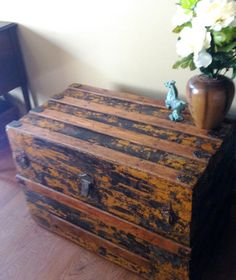Vintage Trunk Bench Seat by lorialberti on Etsy
