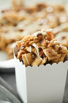 Pecan Pie Chex Mix--This Pecan Pie Chex Party Mix is the perfect combination of sweet and salty. Crunchy Chex Party Mix and pecans coated in soft caramel and drizzled with white chocolate make this a holiday treat everyone will love! Snack Mix Recipes, Candy Recipes, Snack Mixes, Chex Recipes, Cereal Recipes, Christmas Recipes, Yummy Recipes, Recipies, Yummy Treats