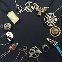 harry potter, book, and shadowhunters image Book Jewelry, Cute Jewelry, The Mortal Instruments, Bijoux Harry Potter, Harry Potter Background, Shadowhunters, Fandom Jewelry, Cassandra Clare Books, The Infernal Devices