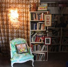 I want to sit here and read the books. Peaches Geldof - I love your home. Gothic Furniture, Love Your Home, Home Decor Pictures, Reading Nook, Apartment Therapy, House Tours, Future House, Outdoor Spaces, Bungalow