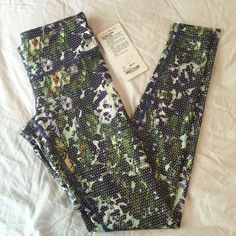 Lululemon Wunder Under Leggings Super cute print just a tad too small for me unfortunately. Brand new with tags - rip tag and paper tag. Full on luxtreme fabric lululemon athletica Pants Leggings
