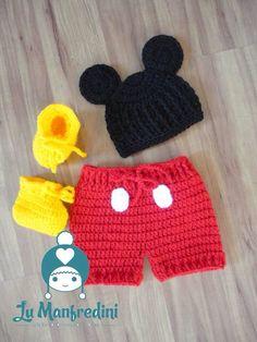 Crochet Mickey inspired baby set. Conjunto inspirado no Mickey em crochê.