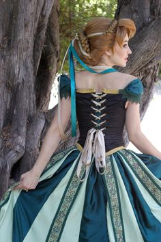 Anna Coronation Wig and Cosplay by glimmerwood.devia… on Anna Coronation Wig and Cosplay by glimmerwood. Disney Princess Cosplay, Disney Princess Dresses, Disney Cosplay, Disney Dresses, Princess Anna Dress, Disney Halloween Costumes, Halloween Cosplay, Cosplay Dress, Cosplay Costumes