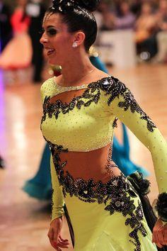 Latin Ballroom Dresses, Ballroom Dancing, Salsa Bachata, Salsa Dress, Sleek Hairstyles, Dance Fashion, Costume Dress, Dance Costumes, Belly Dance