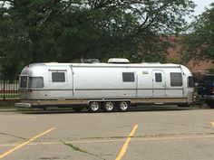 Airstream Travel Trailers, Airstream Living, Vintage Travel Trailers, Camping Trailers, Vintage Campers, Rv Campers, Canned Ham, Motor Homes, Mobile Homes