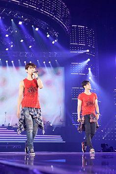東方神起@東京ドーム K Pop Star, Tvxq, Kdrama, Tours, Kpop, Dance, Concert, Couples, Stage