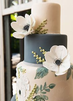 Whipped Bakeshop's painted floral fondant wedding cake complete with suga. - Whipped Bakeshop's painted floral fondant wedding cake complete with sugar anemones! Fondant Wedding Cakes, Fondant Cakes, Pretty Cakes, Beautiful Cakes, Anemone Wedding, Wedding Cake Flavors, Painted Cakes, Cake Trends, Wedding Cake Inspiration